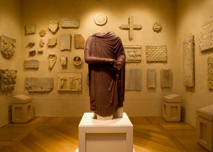 Statua di porfido